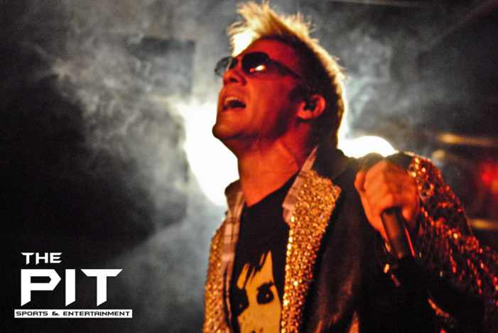 Fozzy breaks down the walls at Machine Shop