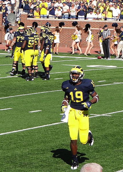 Michigan dominates in home opener, look ahead to Notre Dame