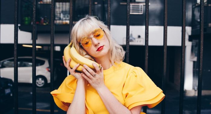 Chicago's Emily Blue: Fitting in by 'fitting out'